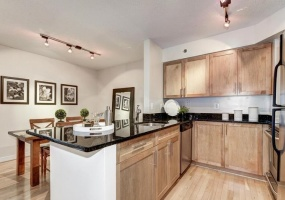 2 Bedrooms, Condominium, Sold Properties, The Chase, Woodmont Avenue S1117, 2 Bathrooms, Listing ID 1017, Bethesda, MD, 20814,