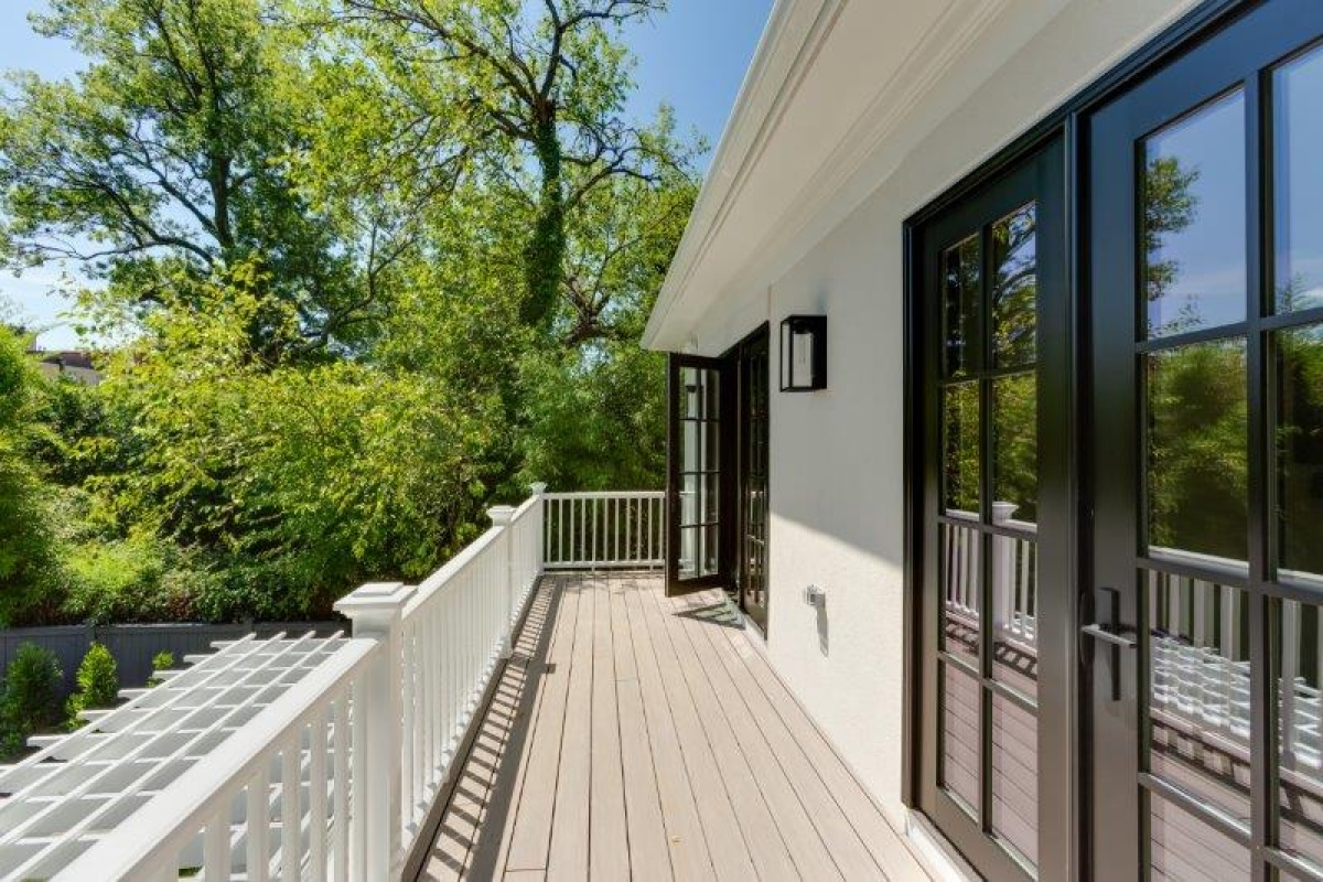 6 Bedrooms, Single Family Home, Sold Properties, 38th Street NW, 5 Bathrooms, Listing ID 1064, Washington, DC, 20016,
